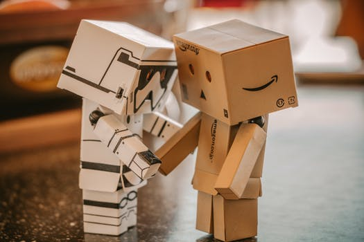"""""""Roboty vezmou lidem práci."""" Ale komu vlastně…?"""